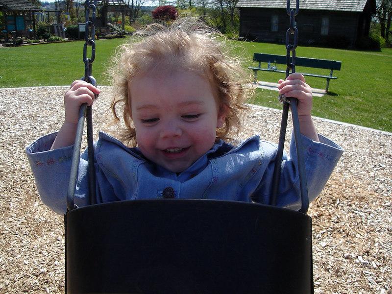 0422.DSC01018.JenningsPark-Swinging.jpg