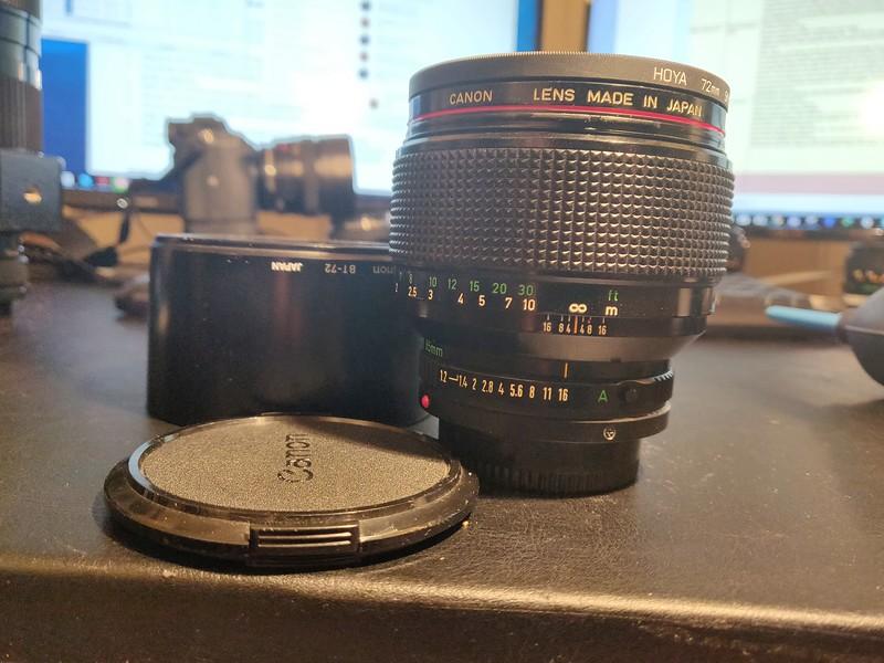 Canon FD 85 1.2 L - Serial Z1102 & 26107 002.jpg