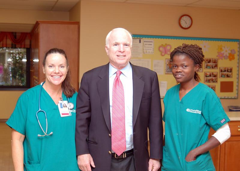 Sen McCain PVAHCS Visit 5-1-2010 5-27-43 PM.JPG