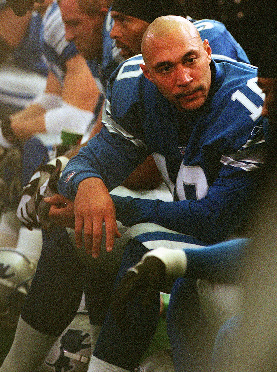 . Detroit Lions quarterback Charlie Batch sits exhausted on the sidelines near the end of Sunday\'s 31-27 loss to the Cincinnati Bengals at the Silverdome.