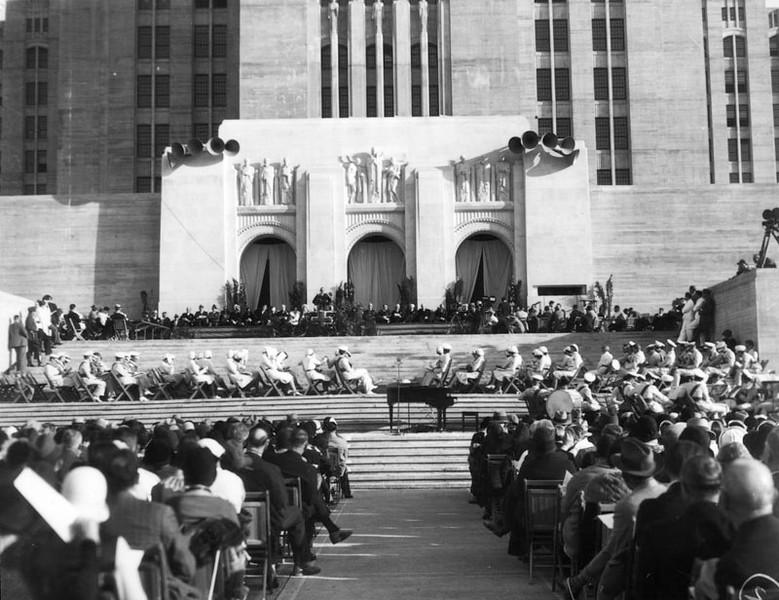 1933, Opening Ceremony