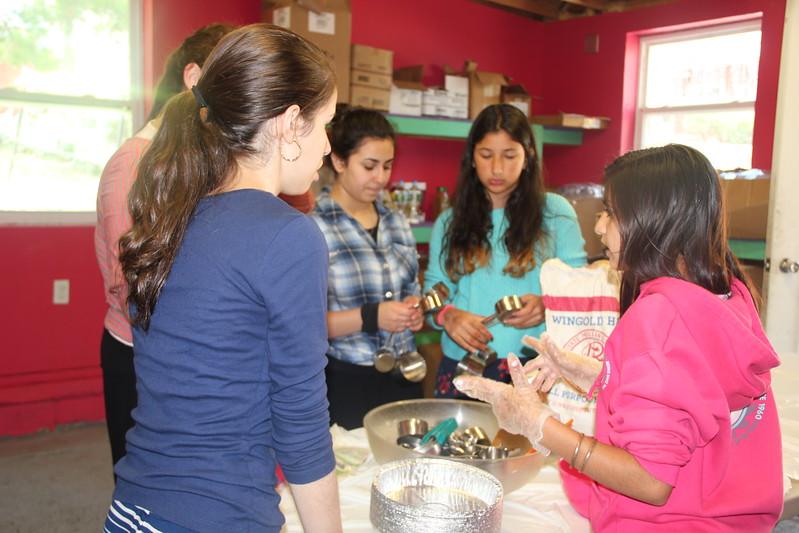 kars4kids_thezone_camp_girlsDivsion_activities_baking (65).JPG