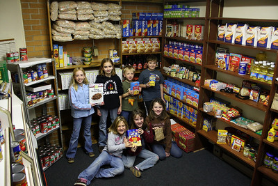 4-HFoodPantry09