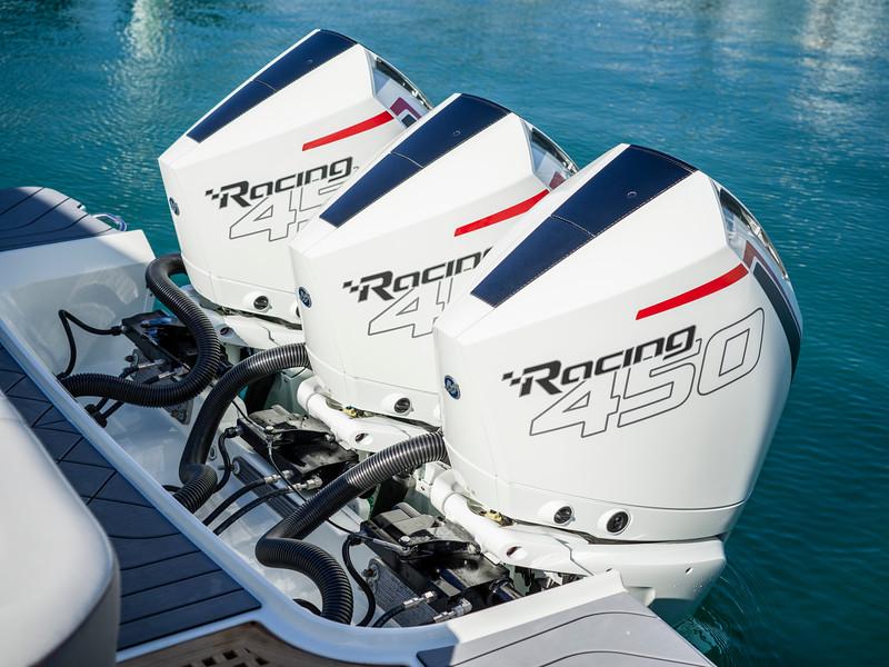 2020-SLX-R-400-e-Outboard-racing-engines-06.jpg