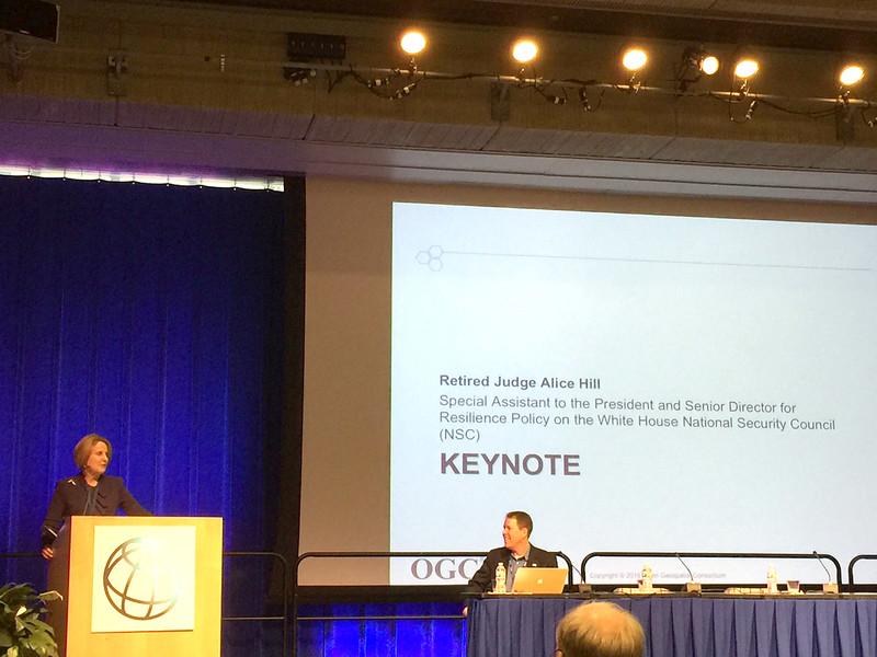 TC閉幕會上,白官政策官員受邀keynote說明從白宮到地方政府對資訊分享公開及善用之重視.JPG