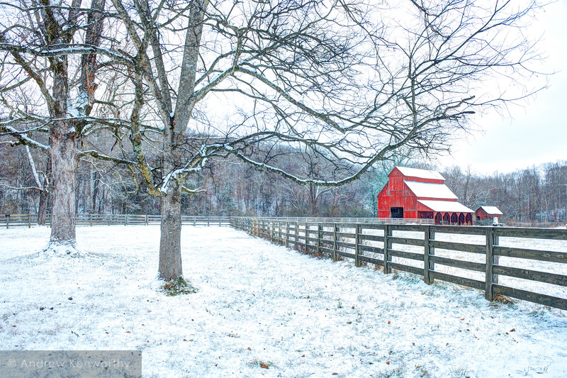Rutledge Falls Barn TN 1.jpg
