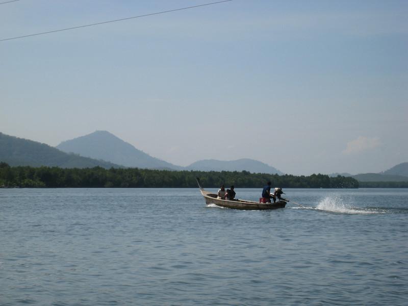 river_boat_2.jpg