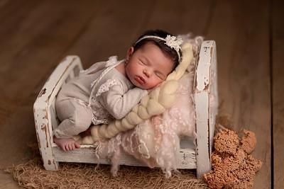 Agnes • Newborn