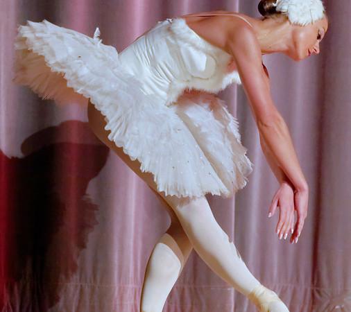 "Ecole Imperiale de Ballet russe - ""Mort du cygne"" - Hielena Ivashka"