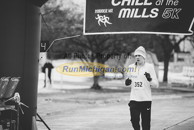 Finish Gallery 4 - 2015 Chill at the Mills 5K