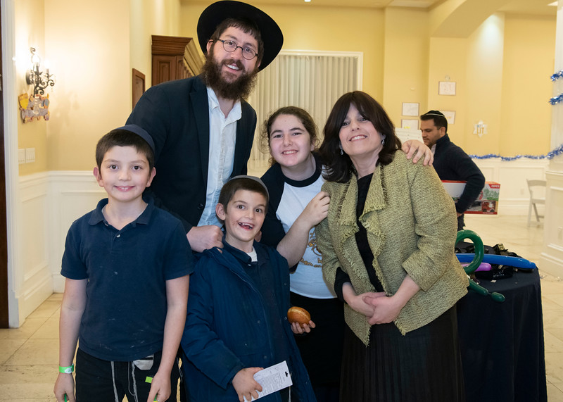 Brentwood Chabad -Chanukah1085.jpg