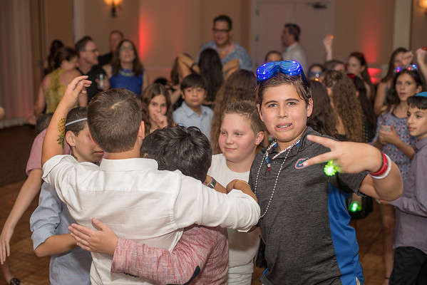 Justin Gad's party pics