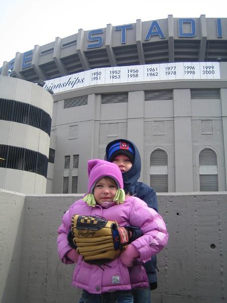 Jack and Julianna at Yankee Game 04