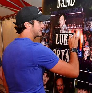 Luke Bryan - Meet & Greet 2012