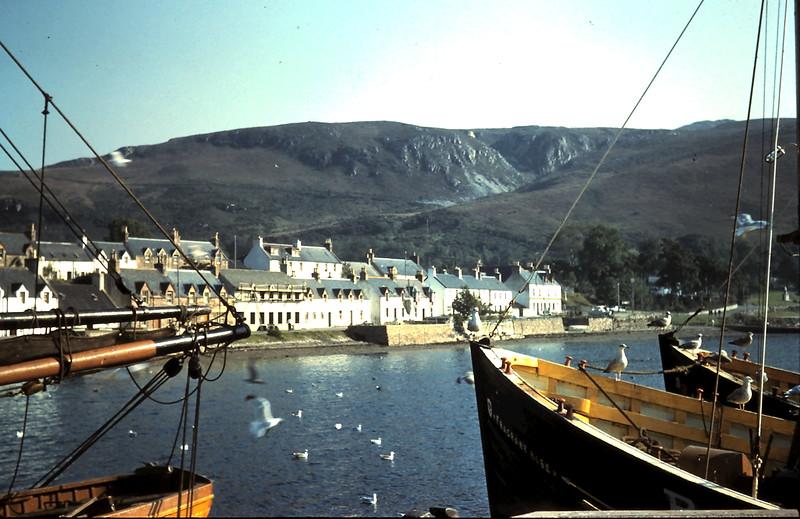 1959-9-4 (35) Hostel from pier @ Ullapool, Scotland.JPG