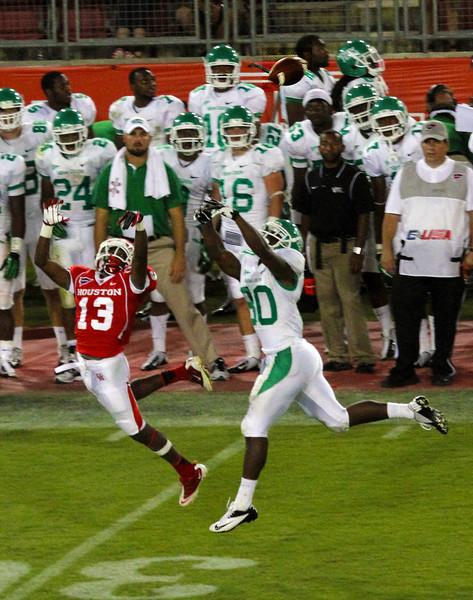 Bates thwarts a UNT touchdown pass attempt