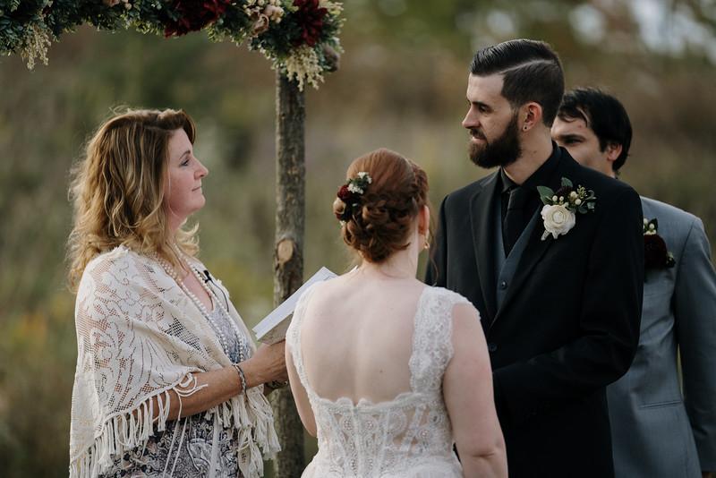 rustic_ohio__fall_barn_wedding-227.jpg
