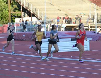 Girls 4 x 400m