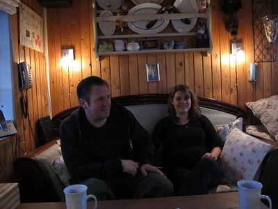 20120428 Mats og Connie hos Mama og Papa