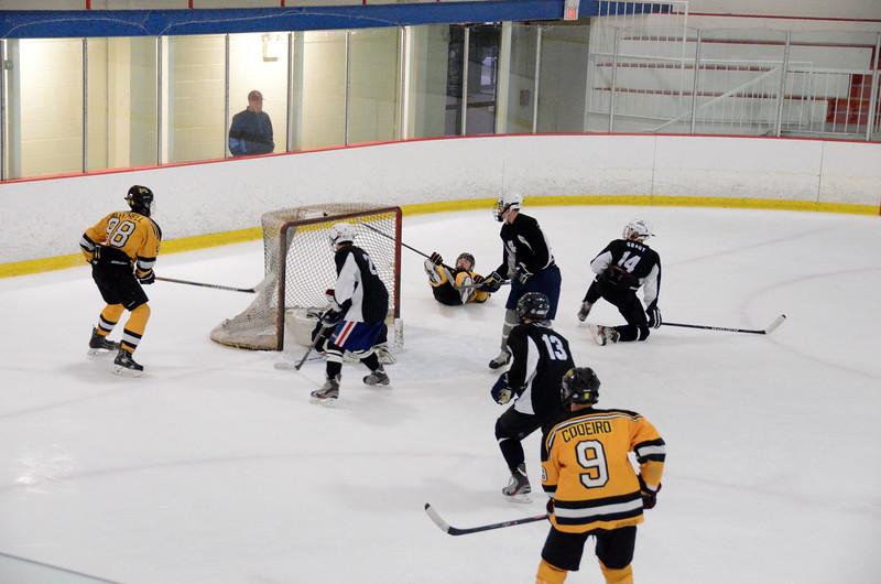 140913 Jr. Bruins vs. 495 Stars-198.JPG