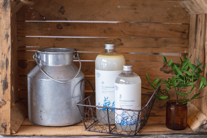 Saaren Taika ekologinen pesuaine luonnollinen saippua tyrnivoide vegaaninen kynttilä-8.jpg