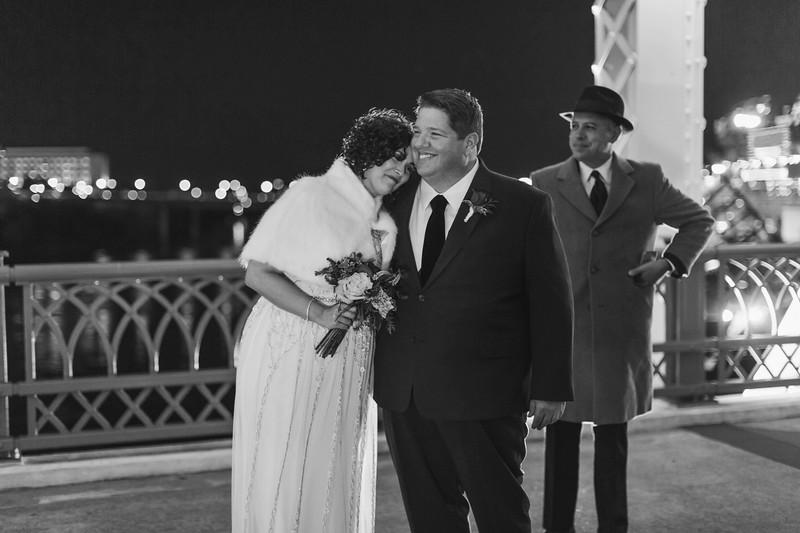 24_Steve+Laurie_WeddingBW.jpg