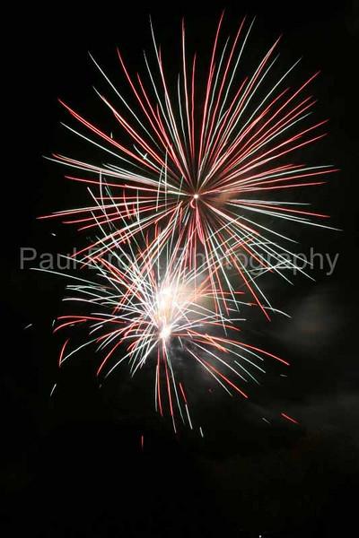 2007_1105roundwoodfireworks035_edited-1001.jpg