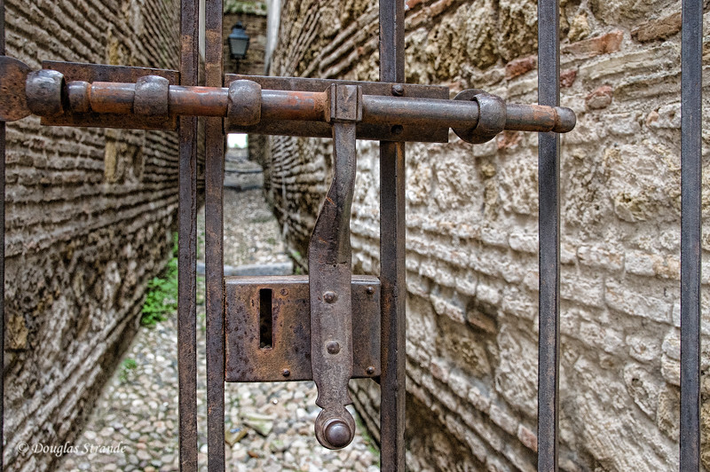 Thur 3/10 in Cordoba: Bolted passage