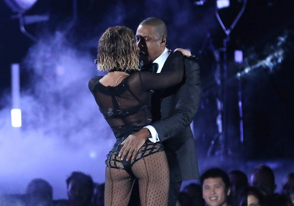 ". <p>3. (tie) BEYONCE & JAY-Z <p>Tasteful Grammy number choreographed by Miley Cyrus and the Kardashians. (1) <p><b><a href=\'http://nypost.com/2014/01/26/musics-power-couple-beyonce-jay-z-open-grammys-with-sexy-serenade/\' target=""_blank\""> HUH?</a></b> <p>   (Matt Sayles/Invision/AP)"