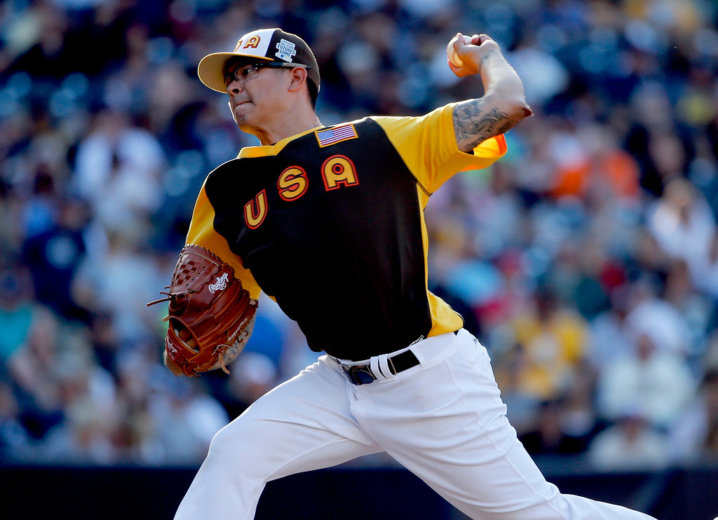 . U.S. Team\'s pitcher Anthony Banda, of the Arizona Diamondbacks, throws agasint the World Team during the seventh inning of the All-Star Futures baseball game, Sunday, July 10, 2016, in San Diego. (AP Photo/Lenny Ignelzi)