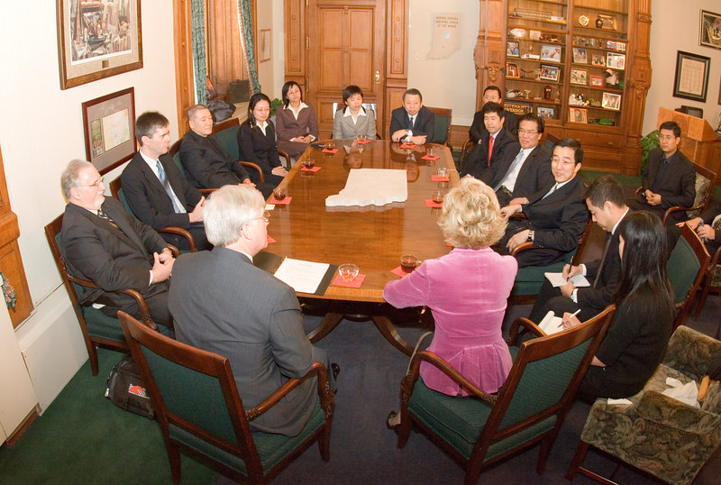 2007_china_delegation_statehouse_tour_lt_gov_0237.JPG
