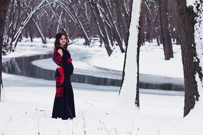 Kelsie Snow Maternity