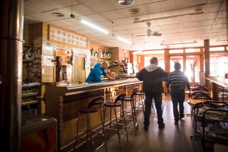 Bar Fluvia interior 3.jpg