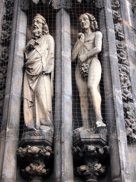 P5208291-lorenzkirche-adam.JPG