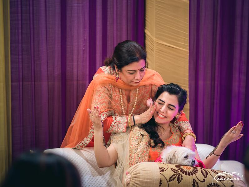 best-candid-wedding-photography-delhi-india-khachakk-studios_06.jpg