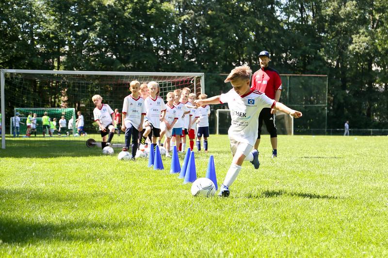 hsv_fussballschule-371_48047955021_o.jpg