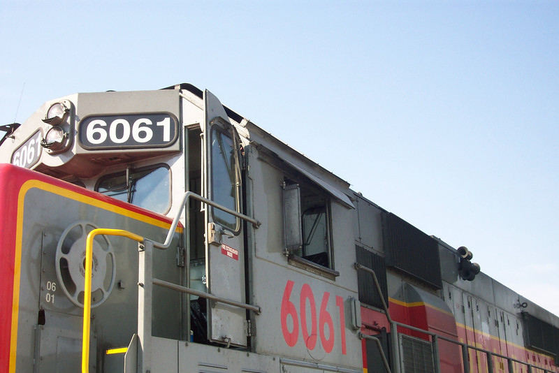 Utah Railway SD50S 6061, cab roof heat shield. (Don Strack Photo)
