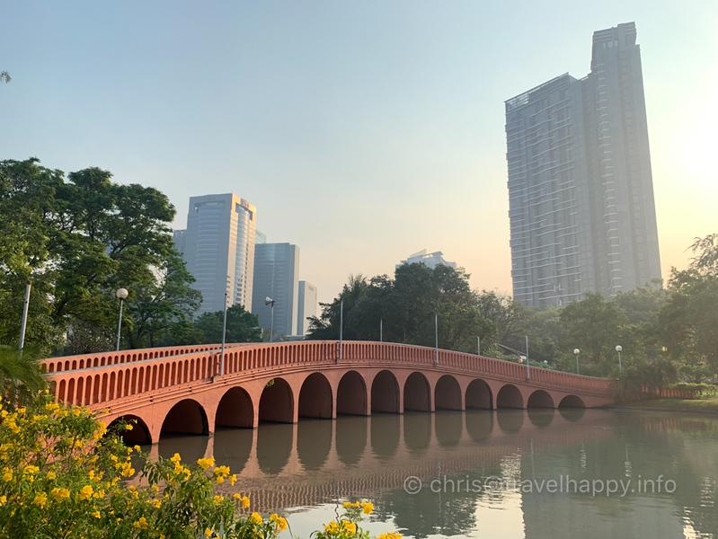 chatuchak-park-bridge-bangkok.jpg