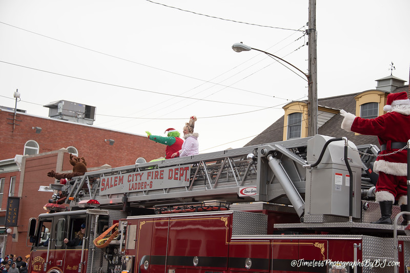 2019_Salem_NJ_Christmas_Parade_244.JPG