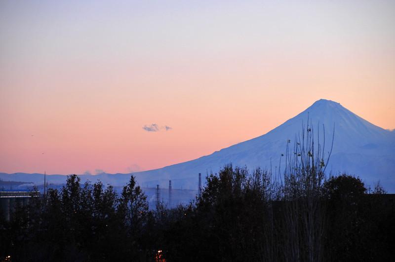 081211 0098 Armenia - Yerevan - Assessment Trip 03 - Sunset ~R.JPG