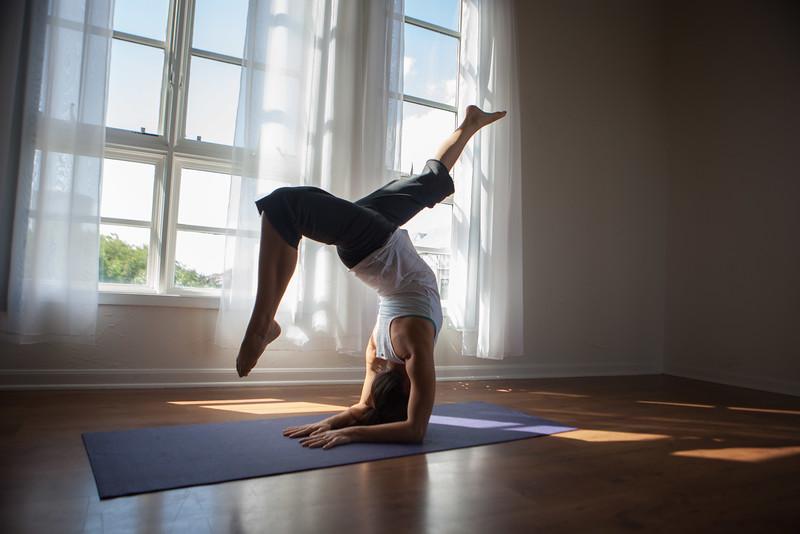 2014 10 10 Kelly goRockett yoga-5.jpg