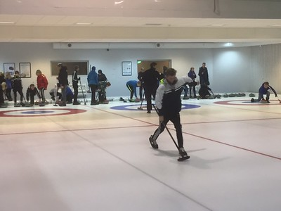 2015 Curling Bowling