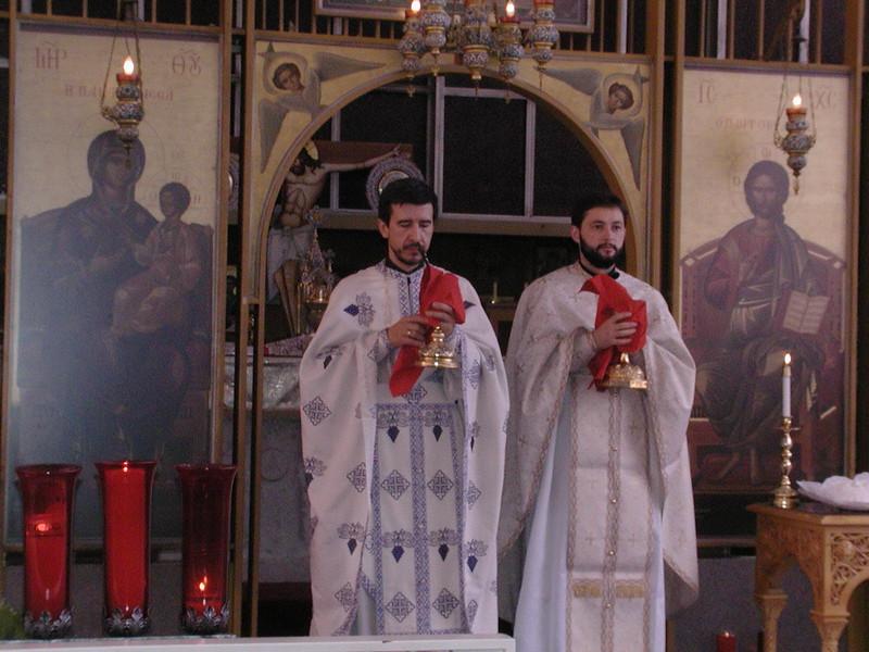2006-08-13-Fr-Radus-First-Sunday_008.jpg