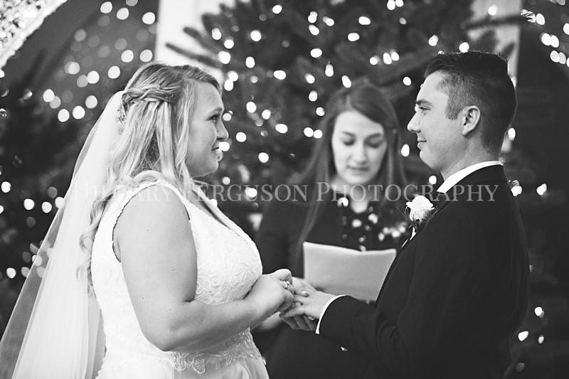Hillary_Ferguson_Photography_Melinda+Derek_Ceremony101.jpg