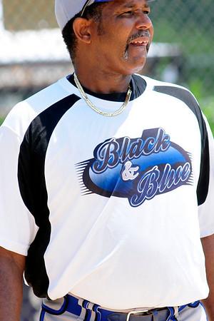 Bass Gloves vs Black & Blue