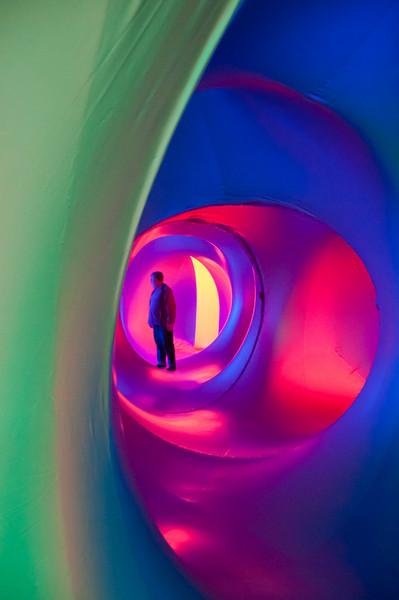 Man-N-blude-red-tunnelsDSC_1174.jpg