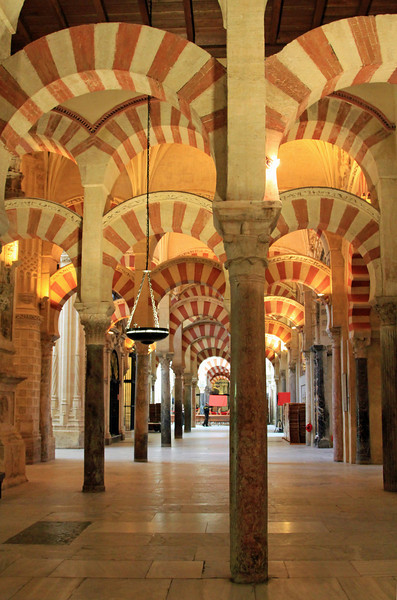 ARches and pillars inside the Mezquita, Cordoba.