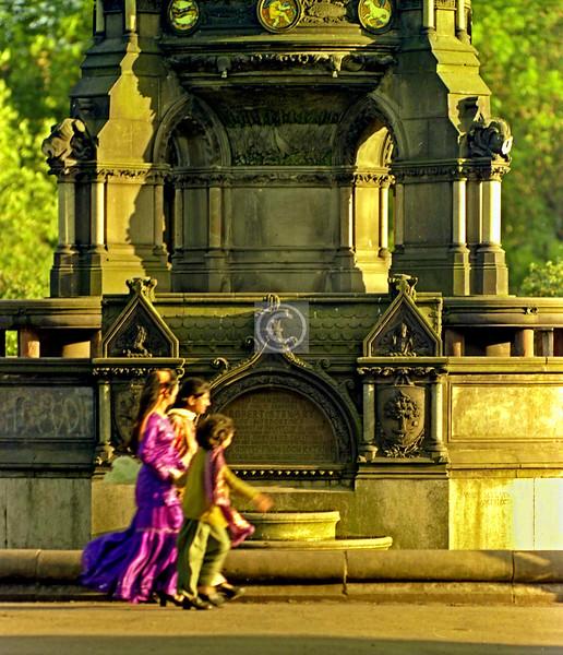 Stewart Memorial Fountain, Kelvingrove Park, 1976.