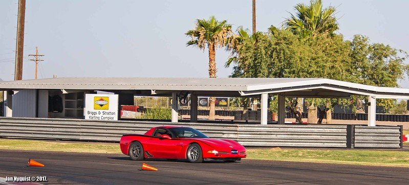 Corvette-red-black-stripe-4889.jpg