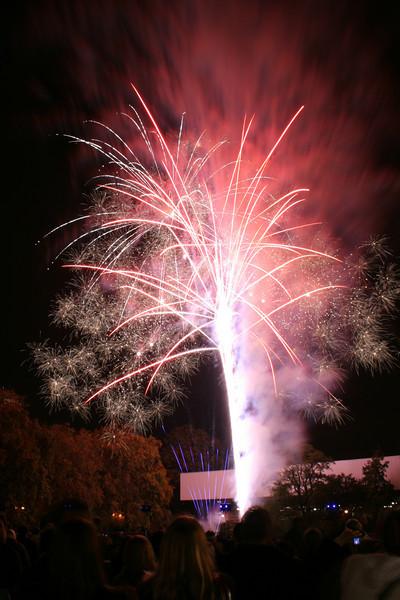 2007_1102putneyfireworks007_edited-1.JPG